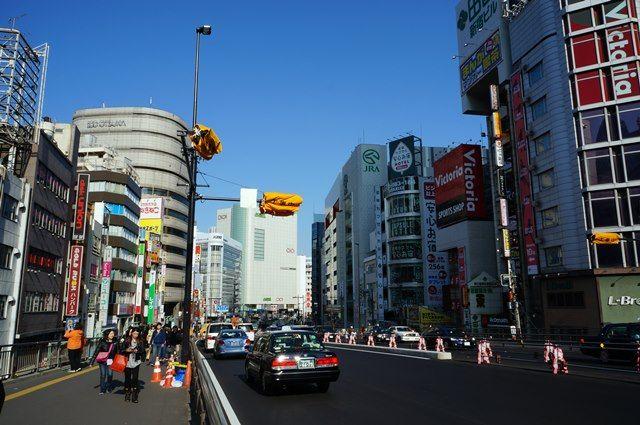 新宿駅前の甲州街道 2016.3.21