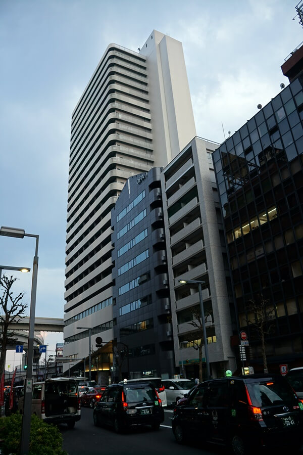 都市計画が決定した、65階235mのツインタワー「西新宿三丁目西地区第一種市街地再開発事業」の様子 2019年3月16日撮影